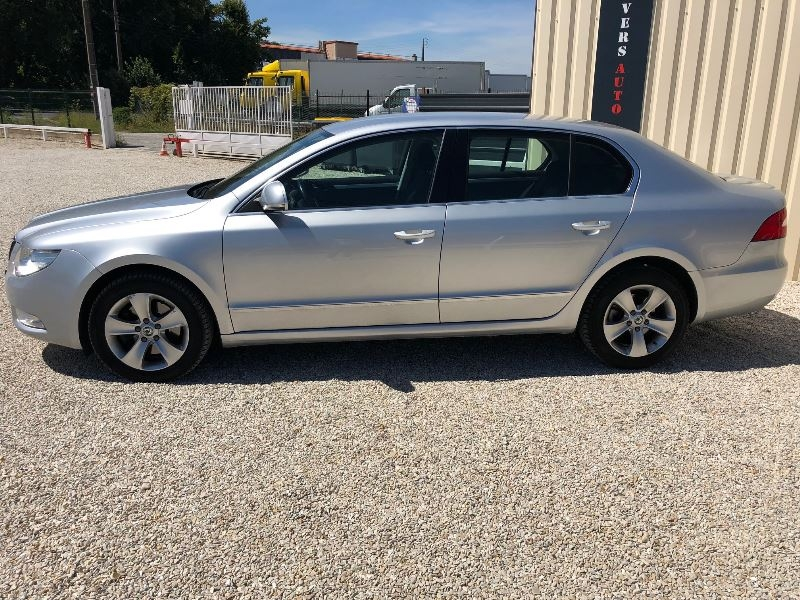 Photo 3 de l'offre de SKODA SUPERB 2.0 TDI140 CR FAP ACTIVE à 10900€ chez Univers auto