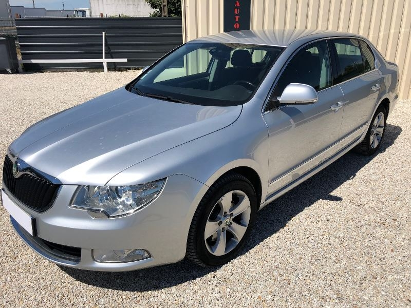 Photo 5 de l'offre de SKODA SUPERB 2.0 TDI140 CR FAP ACTIVE à 10900€ chez Univers auto