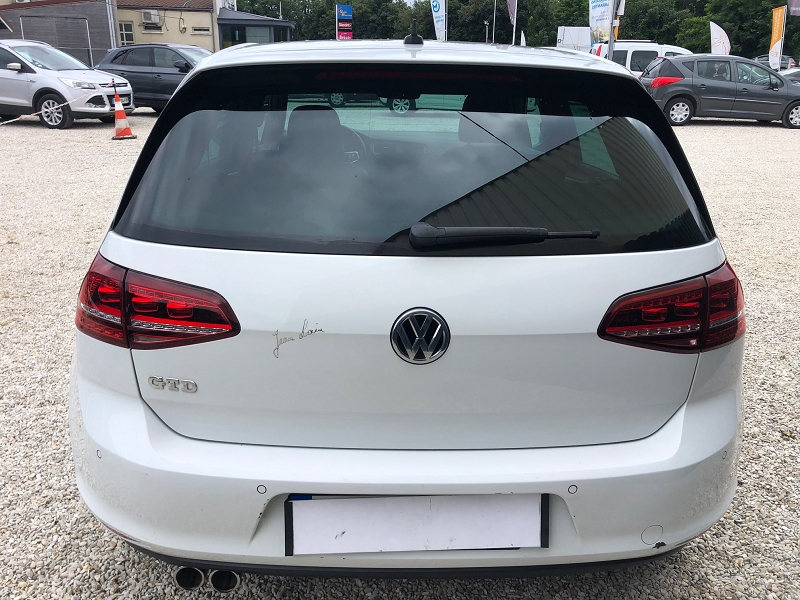Photo 3 de l'offre de VOLKSWAGEN GOLF VII 2.0 TDI 184CH BLUEMOTION TECHNOLOGY FAP GTD DSG6 5P à 22890€ chez Univers auto