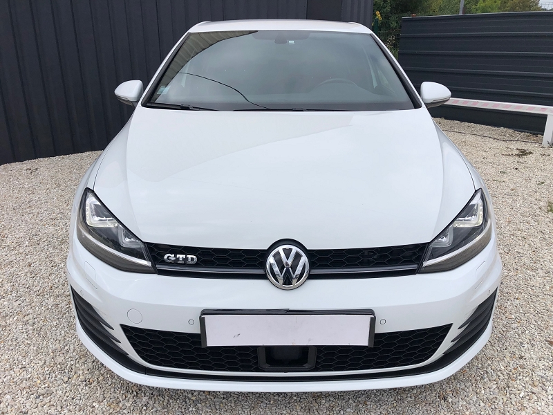 Photo 4 de l'offre de VOLKSWAGEN GOLF VII 2.0 TDI 184CH BLUEMOTION TECHNOLOGY FAP GTD DSG6 5P à 22890€ chez Univers auto